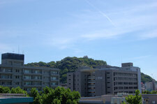 2011年7月 共通教育講義棟から松山城を臨む