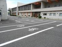 第一体育館前 自転車1台